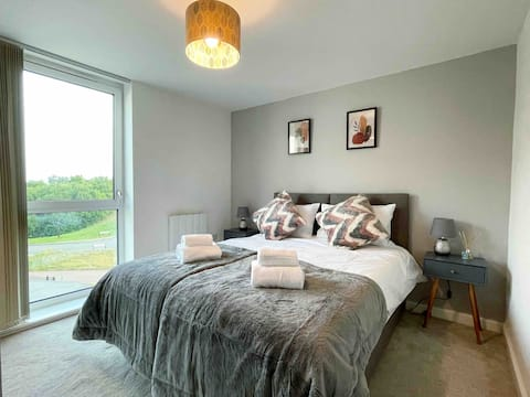 Park View Luxury 2-bedroom serviced apartment.