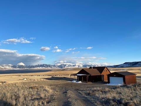 Private Montana Escape in the Mountains!