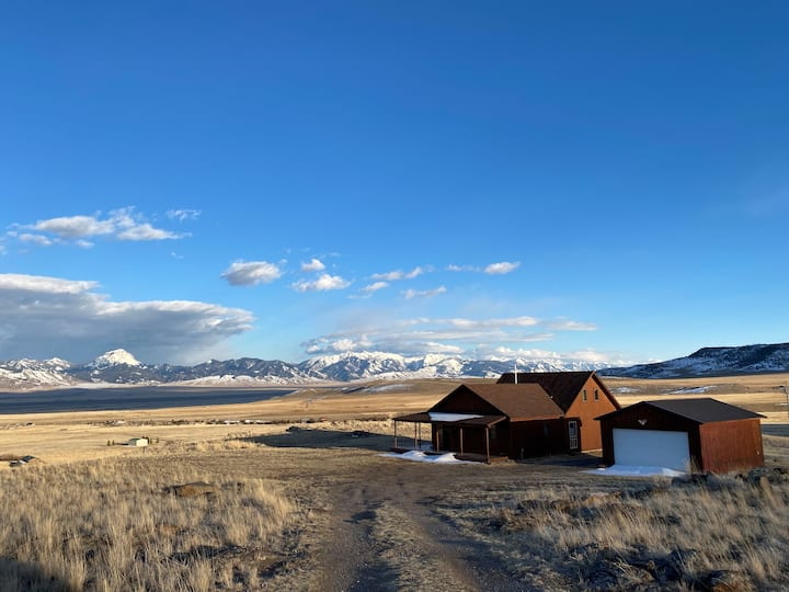 Private Montana Escape in the Mountains!