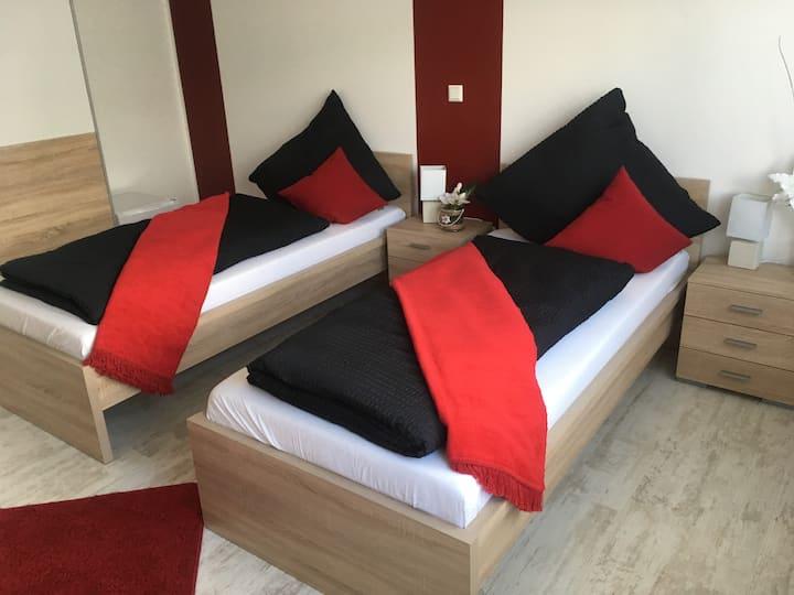 2 Bett Zimmer für Monteure oder Privat