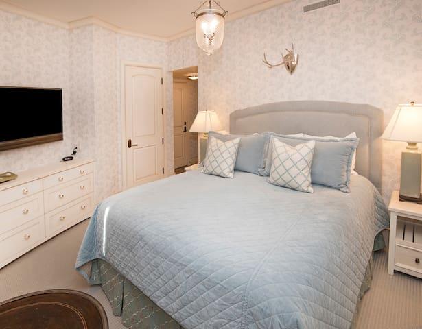 Rams-Horn Lodge- Suite 7B
