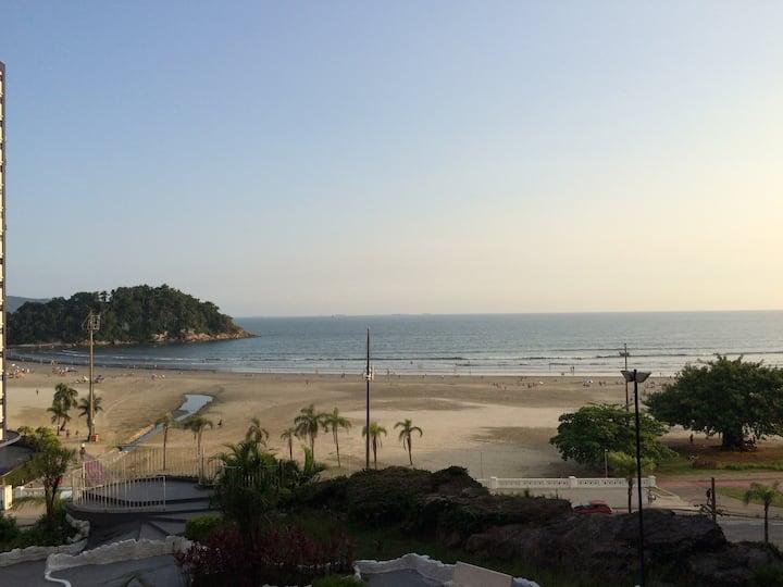 Apartamento em Santos em  frente ao mar