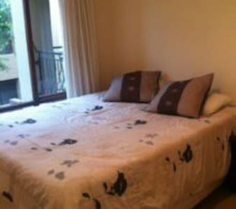 Safe and secure 1 bedroom by Monte Casino - Sandton