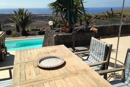 Villa Nadine  Meerblick u Pool - La Asomada - Haus