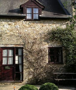 Country Cottage in Beautiful Scenery - Musbury - Appartement