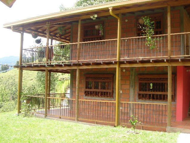 Country House/Casa Campestre - Envigado - Envigado - Dom