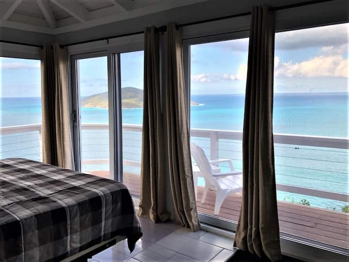 Ocean View Suite Retreat-your own little paradise!