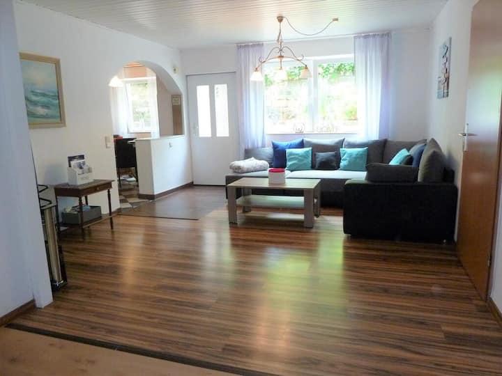 Ferienwohnung  63 qm mit 2,5 Zimmer , Küche,  Bad