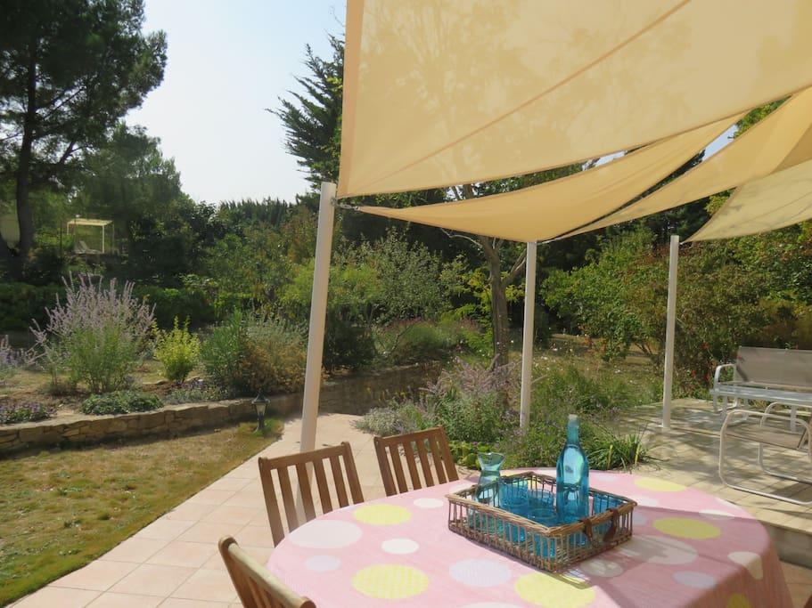 vivre dans le jardin sur les terrasses