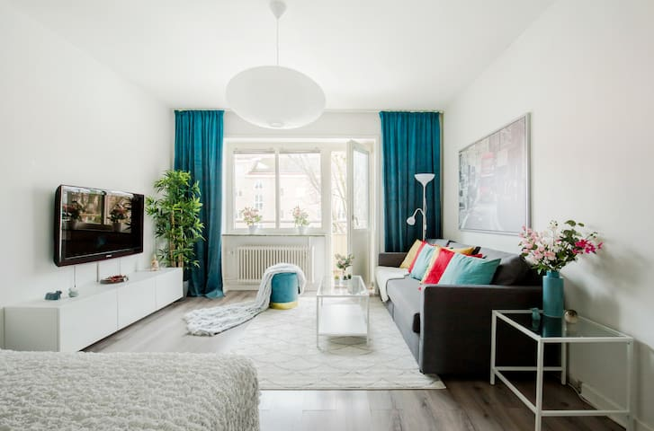 Charming City Center Studio Apartment