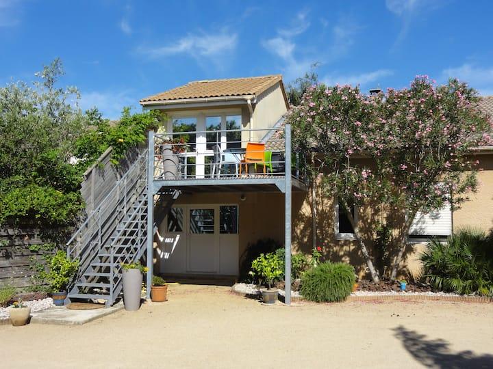 Charmant studio climatisé terrasse piscine privée
