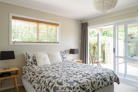 Double room in Kumeu wine country. - Kumeu - Casa