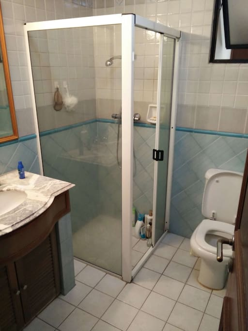 Bathroom (shared with another room)