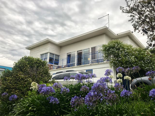 Greens Beach holiday home overlooking golf course.