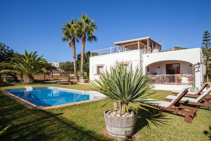 Villa authentique et paisible idéalement située
