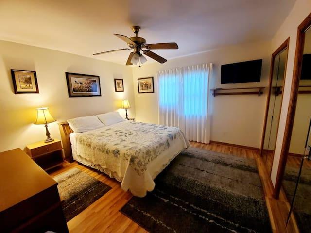 Bedroom in Beautiful Cozy Home