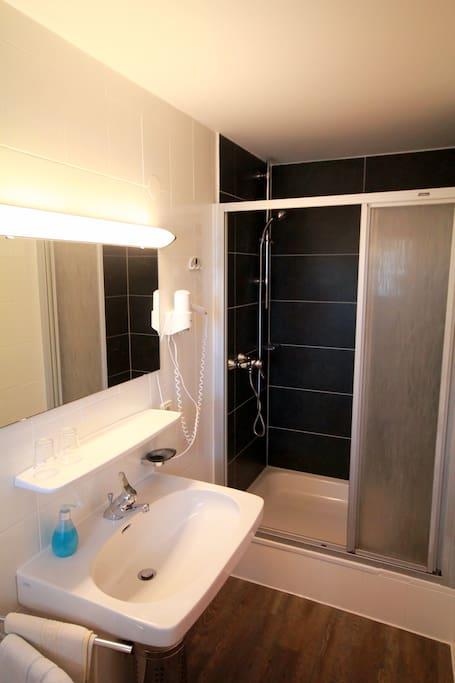 Bsp. Badezimmer/ eg. bathroom