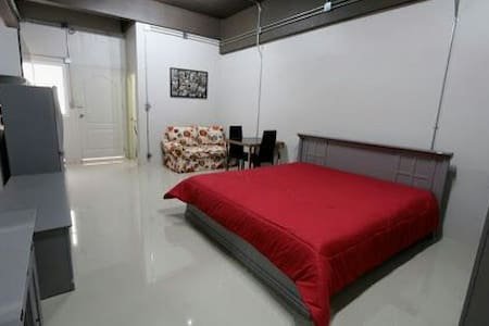 Budget studio near train station. - Mueang Chiang Mai District