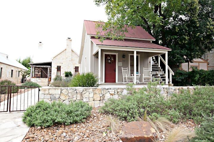 Das Solheid Sunday House