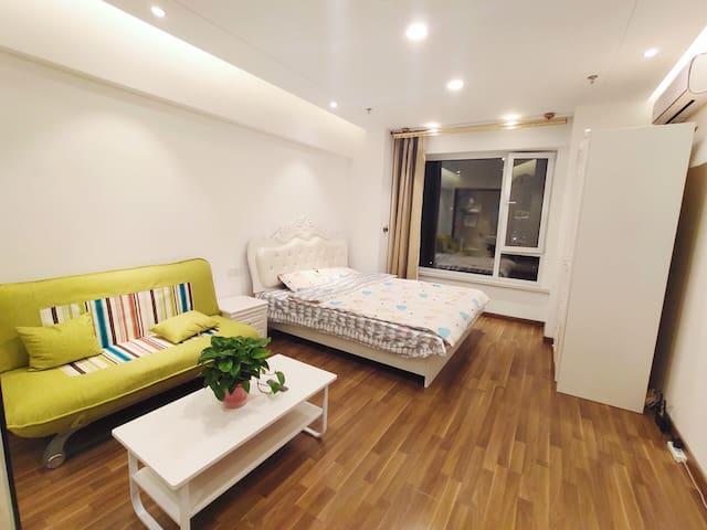 [香蕉の家]No.3 温馨大床房 | 自助入住 | 清河半岛 | 方特 | 七星海 | 大学城