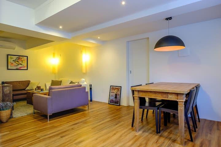 Apartamento recém reformado e bem decorado
