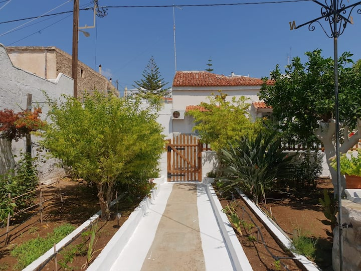 Bright and sunny home in Gavrio,  on Andros
