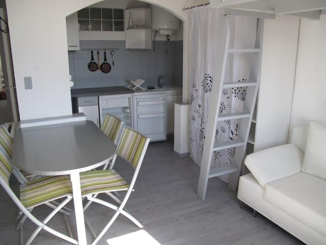 Studio close to sea, Antibes, Cannes - Vallauris - Apartamento