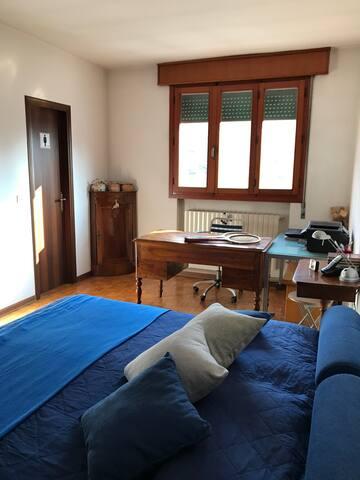 Ampia camera con bagno privato - Mirano - Lägenhet