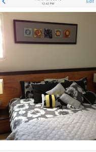 Room type: Entire home/apt Property type: Apartment Accommodates: 4 Bedrooms: 2 Bathrooms: 2.5