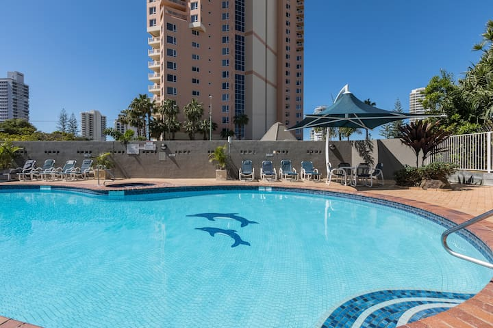 HUGE Broadbeach, 2 Level top floor apartment!