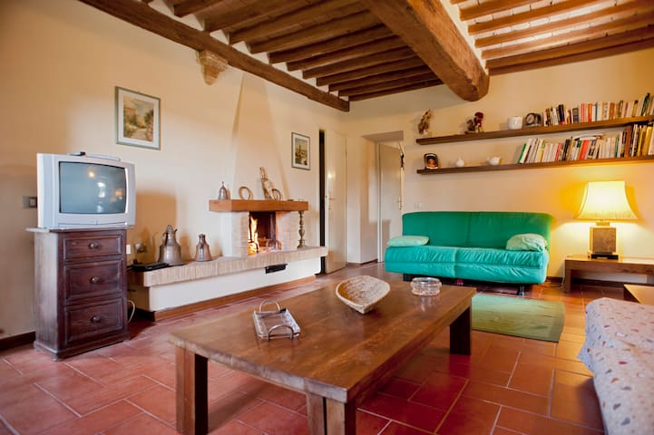 A traditional Tuscany Apartment with private pool - Volterra - Apartmen