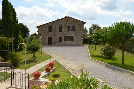 Agriturismo Bardanella - Moraiolo - Allerona - Dům