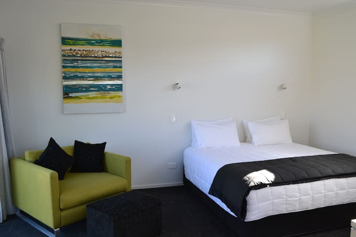 Private Studio Room - Whitianga - Guesthouse