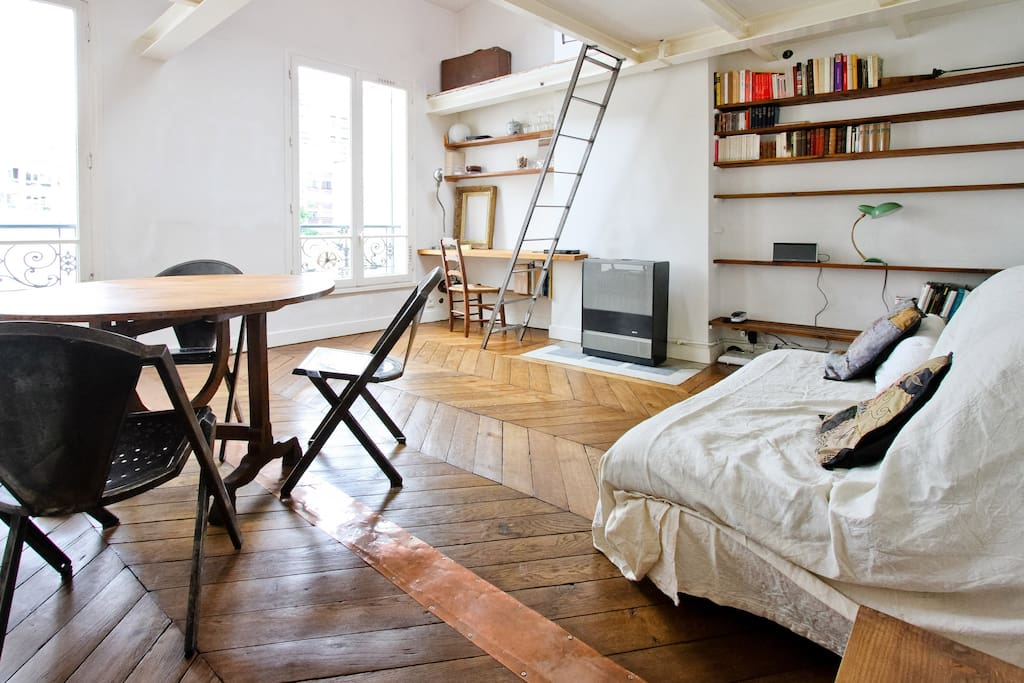 Nid boh me sous les toits de paris appartements louer - Nid rouge lincroyable appartement paris ...