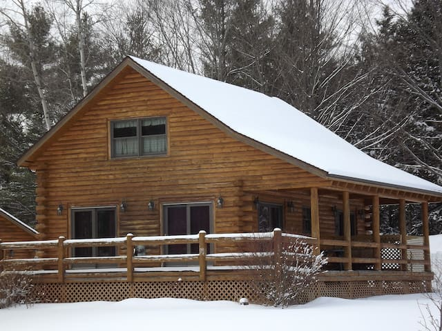 Jay Peak Ski Area Log Cabin - Montgomery Center - Rumah