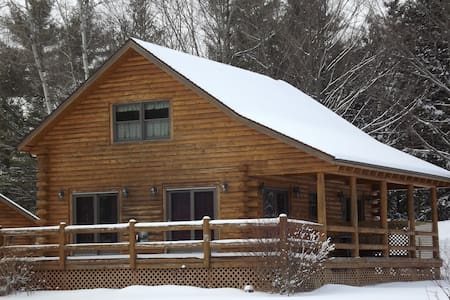 Jay Peak Ski Area Log Cabin - Montgomery Center - Huis