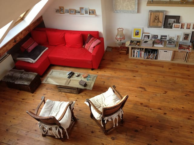 Very bright studio in Brussels - Ixelles - Apartamento