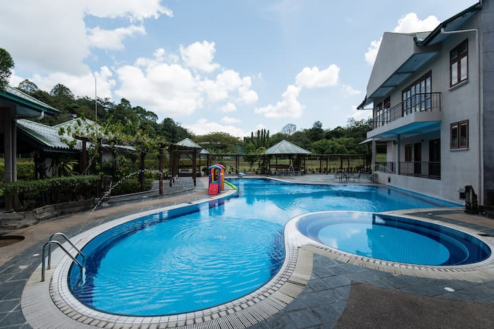 KDHVILLA w FOOTBALL FIELD, POOL, SNOOKER, TENNIS