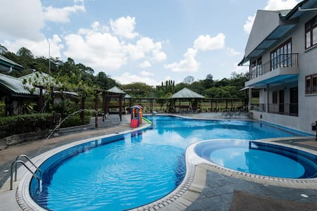 KDHVILLA w FOOTBALL FIELD, POOL, SNOOKER, TENNIS - Rawang