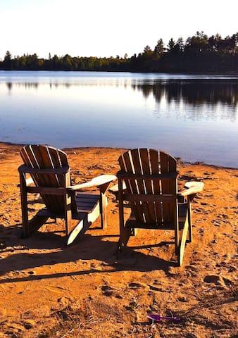Voici la plage…le calme, la beauté et le confort.