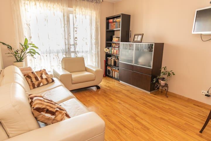 Traveler's Apartment 68m2 +2 bicycles+free parking