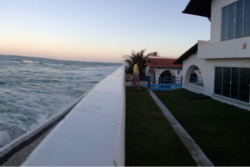 Front of the sea! Frente para o mar!