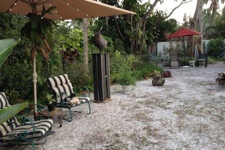 Upscale St. Armands Key/Circle. - Sarasota - Bungalow