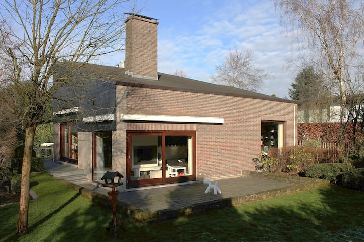 Spacious tranquil 3br family villa - Gent - Dom