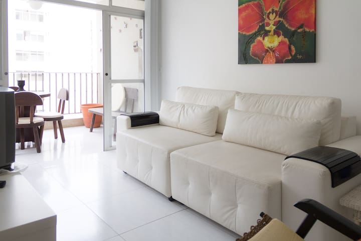 apartment in pitangueiras guaruja