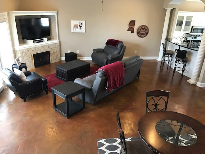Highlands Plantation Condo Close to Campus