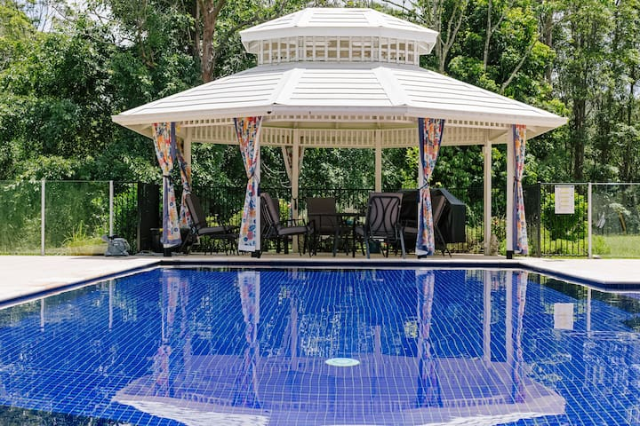 Poolside Apartment set in nature  - Tallebudgera Valley - Wohnung