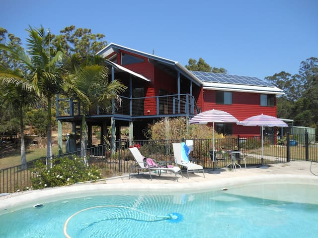 Noosa Hinterland Haven with Pool