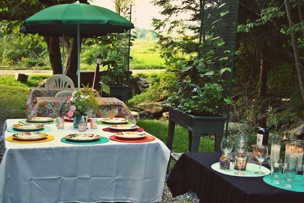 Outdoor dining in season
