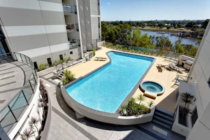 Spacious 3BR Apartment Near the Swan River and CBD